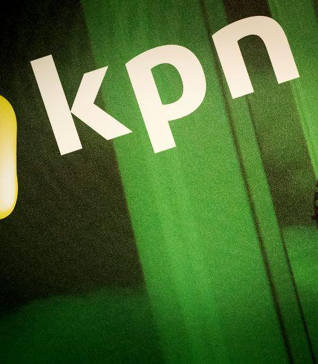 Vroomshopers hebben na 6 dagen tv en internet terug: 'Mam, de wifi dut 't weer!'
