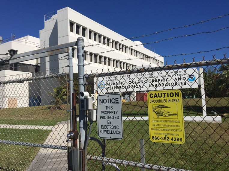 De poorten blijven dicht, bij NOAA's Atlantic Oceanographic and Meteorological Laboratories in Miami, vanwege de shutdown. Beeld null