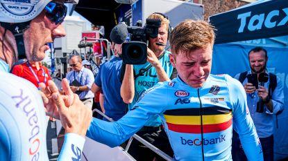 """Van emotionele Evenepoel tot de 'Tour de Julian"""": straffe beelden tonen blik achter de schermen bij Deceuninck-Quick.Step"""