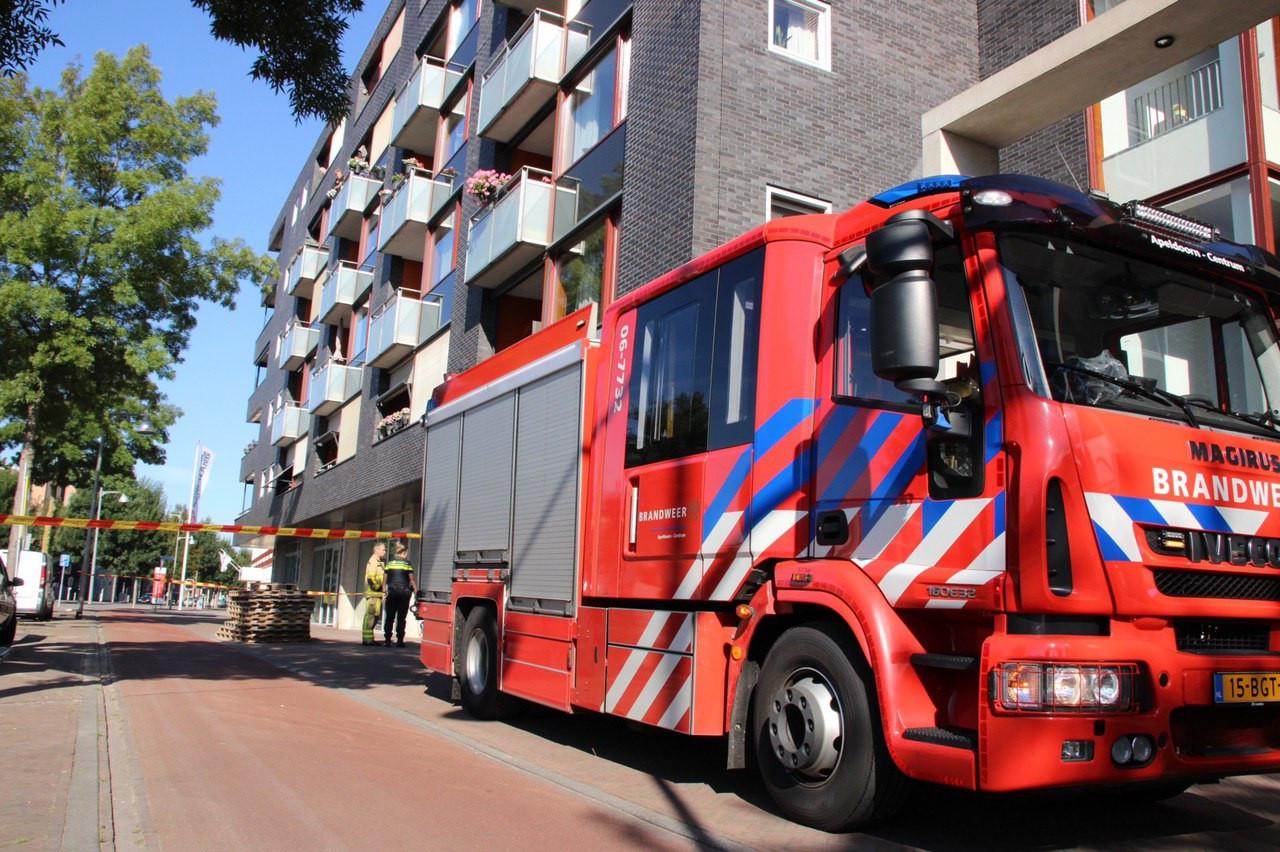 De brandweer zette Molenstraat-Centrum direct af met linten.
