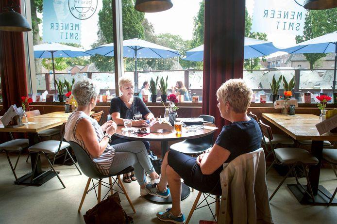 Het interieur van café-restaurant Meneer Smit in Wijchen.
