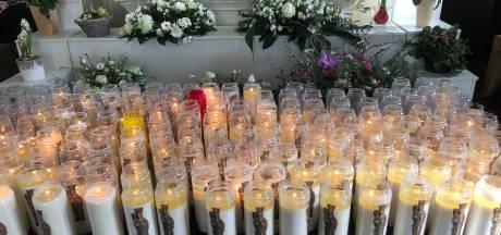 Kaarsen in Mariakapel branden rijen dik: 'Kracht voor iedereen in deze coronatijd'