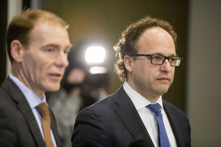 Minister Koolmees (rechts) en staatssecretaris Snel over hun 'roadmap' naar een nieuwe 'zzp-wet'. Beeld anp