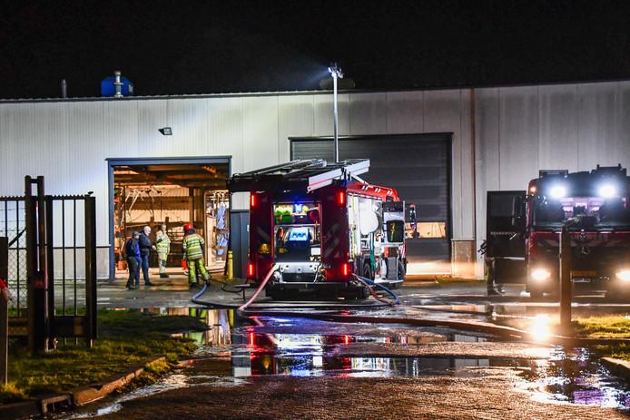 De brandweer moest twee keer in actie komen voor de brand op het bedrijventerrein in Lelystad.