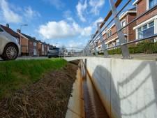 Net herbestrate Ter Kuilestraat in Enschede moet worden herbestraat: korrels blijven niet plakken