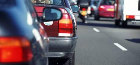 Ongeluk met vijf auto's op A2 Eindhoven richting Maastricht