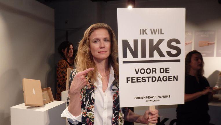 Presentator Sophie Hilbrand: 'Niks geven, ik doe mee! Spullen worden overgewaardeerd.' Beeld Schuim