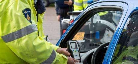 Dronken automobilist stuitert over Rhenense wegen
