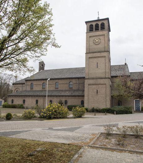 Teststraat van huisartsen in kerk Bentelo