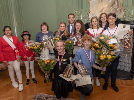 Acht jonge Goesenaren onderscheiden met een jeugdlintje