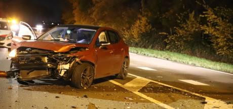 Twee auto's total loss bij aanrijding in Enspijk