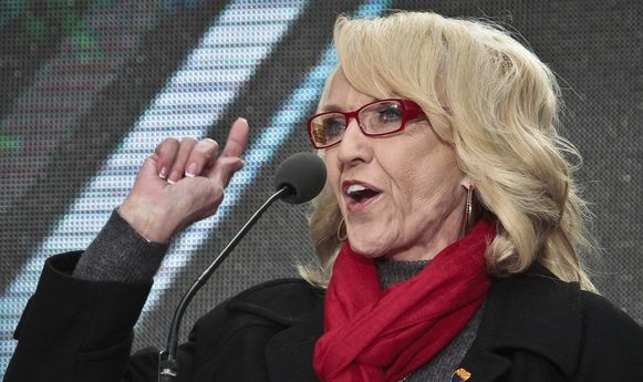 De gouverneur van Arizona Jan Brewer.