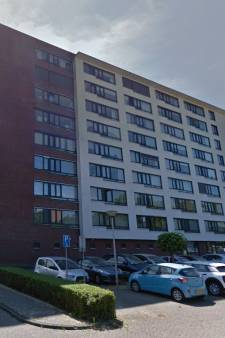 Psychiatrische patiënt zet 's nachts de boel op stelten, huisbaas stuurt buren naar hotel