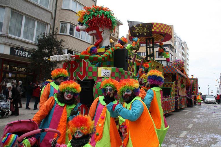 De carnavalisten wisten zich warm te houden.
