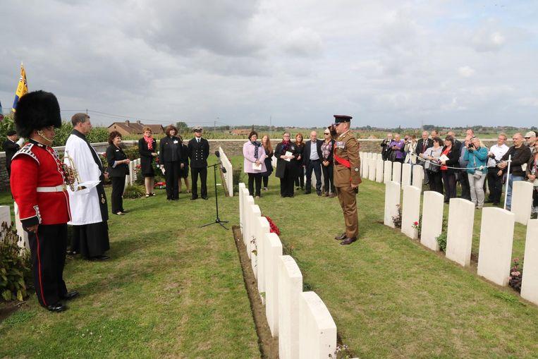 Zoals het de Britten betaamt kreeg 'onbekende soldaat' James McLynn een plechtigheid met de nodige égards.
