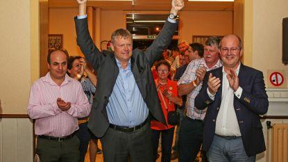 Burgemeester Koen Van Elsen (CD&V) sluit akkoord met N-VA in Asse