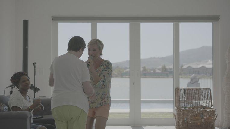 In 'Kroost' konden we zien hoe Kathleens demente moeder opfleurt wanneer ze voor haar zingt.