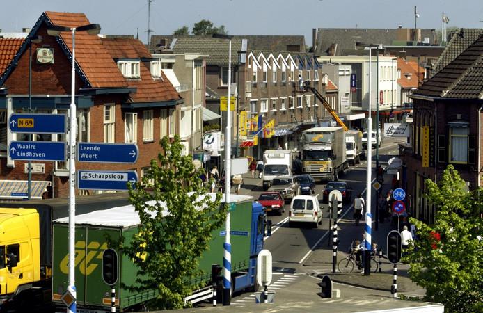 Verkeer op de N69 in Valkenswaard.