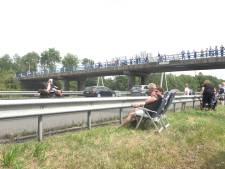 TT-bezoekers massaal bekeken door bermtoeristen