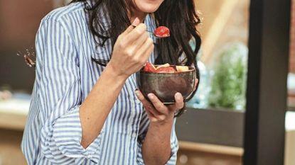 Vermoeider dan anders? 3 recepten van Sandra Bekkari die je helpen herbronnen