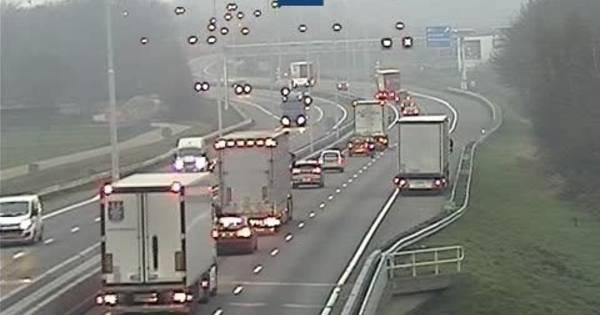 Flinke file op A58 tussen Moergestel en Oirschot na ongeluk en pechgeval.