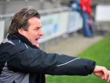 Germania-trainer komt met schrik vrij: 'Het lijkt alsof ik in elkaar ben geslagen door Badr Hari'