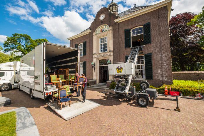Afgelopen mei werd het gemeentehuis in Heerde leeg gehaald, waarna de verbouwing begon.