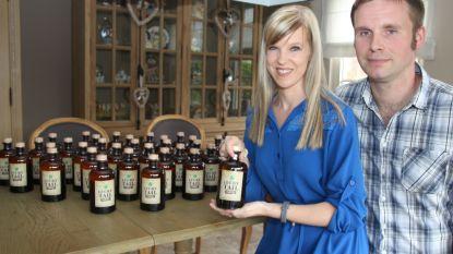 Annelies en Frederik pakken uit met Kwispelende gin 'Lucky Tail'