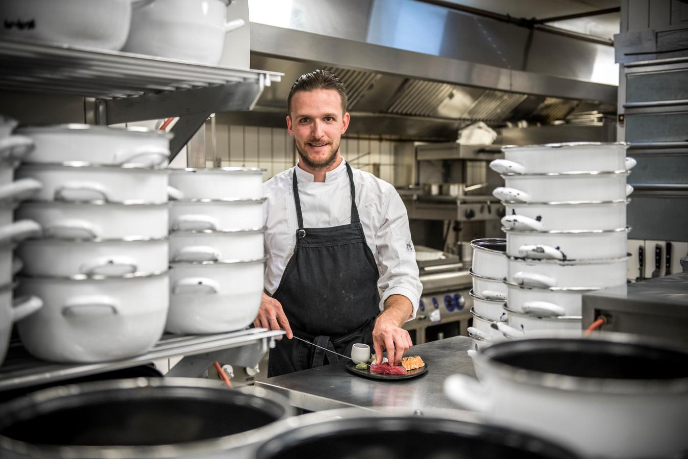 Chef Tim Haers in de keuken.