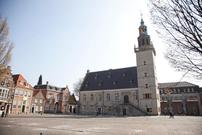 Het stadhuis van Hulst aan de Grote Markt in Hulst.