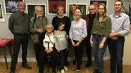 Nostalgisch familiemoment tijdens tentoonstelling