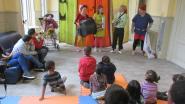 Clowns zonder Grenzen treden op in vluchtelingencentrum