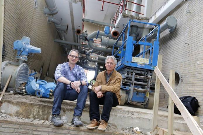 John Settels (r) en Sven Pekelder in het deel van het gebouw waar de ingang komt. foto Bert Jansen/fotomeulenhof