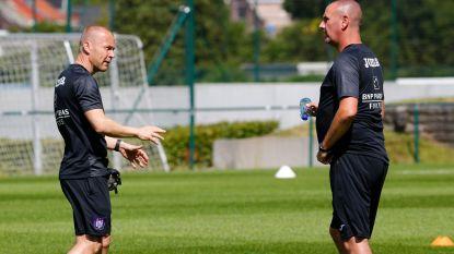 Football Talk. Anderlecht stelt om 14u Simon Davies voor - Club Brugge heeft nieuwe keeperstrainer