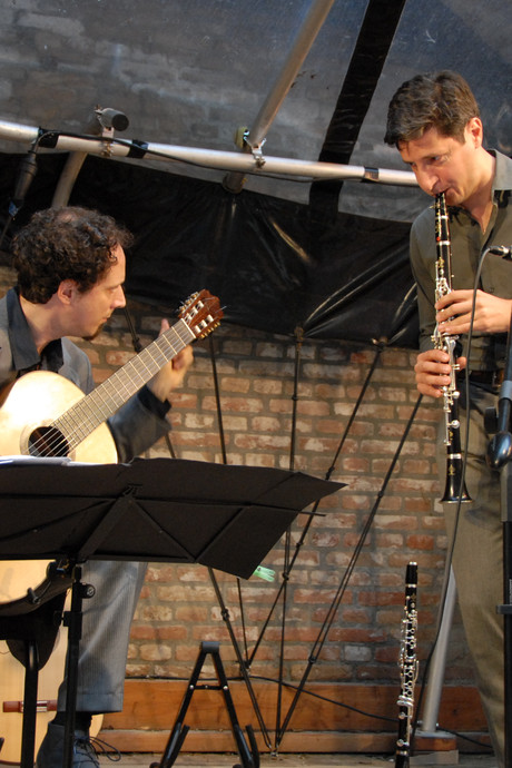 Fraaie 'conversatie' tussen klarinet en moderne klassieke gitaar bij Muziek op de Binnendieze