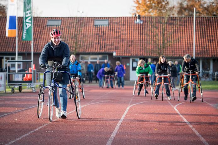 De atletiekbaan van AVH moet gerenoveerd worden om in de toekomst gebruikt te worden voor atletiek of activiteiten als racerunning.