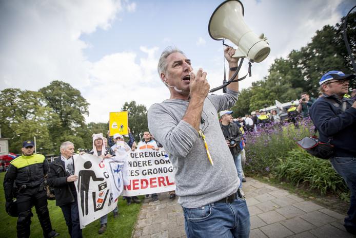 Pegida Nederland-voorman Edwin Wagensveld tijdens een protestactie.
