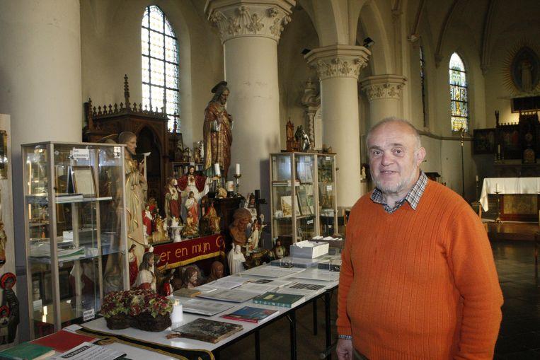 Omer Heusdens verhuist met zijn Museum voor Volksdevotie naar de Sint-Germanuskerk.