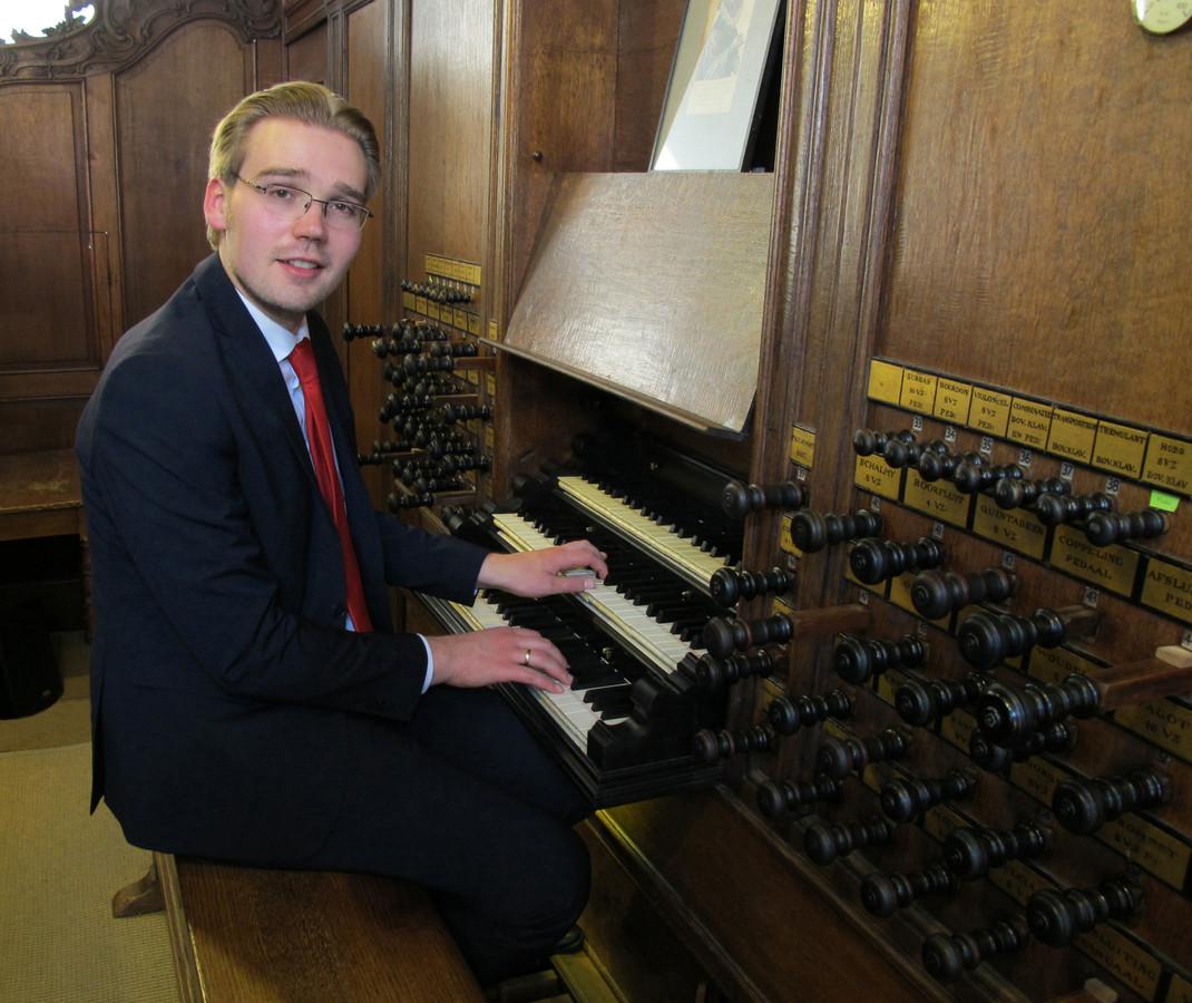 Organist Adriaan Hoek is een van de muzikanten die deelneemt aan de Thoolse zomerconcerten.