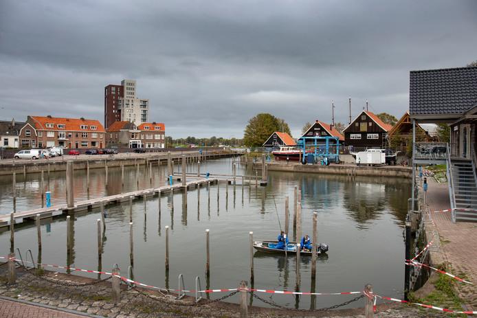 Deze week wordt het aanvullend onderzoek  in de Buitenhaven afgesloten, waarna wordt bekeken hoe het baggerwerk kan worden voortgezet.
