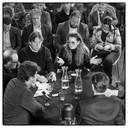 Een groep onafhankelijke denkers van het platform 'Voor de Ommekeer' debatteert over mogelijkheden om de politiek wakker te schudden.