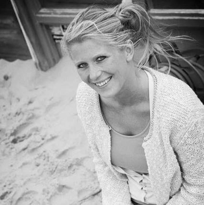 Sanne van Baal leidt de mindfulness- en meditatiecursus van haar praktijk Letting Go.