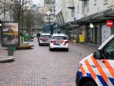 Twee jongens overvallen winkel op Bijlmerplein