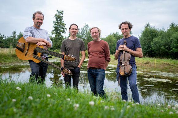 Troissoeur: Rein, Edwin en Joris Vanvinckenroye en Pieter Thys.