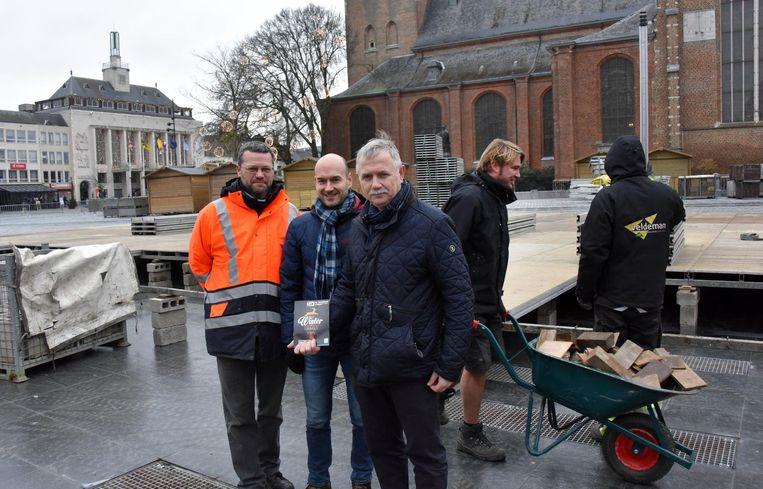Organisatoren Erik Adriaensen van het evenementenloket, Filip De Roover (coördinator Wintersalon) en burgemeester Erik Vos.