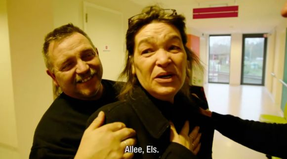 Mama Els uit Don't Worry Be Happy krijgt heel verrassend nieuws over ziekte.
