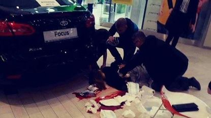 Dode en zeven gewonden bij mesaanval in Pools winkelcentrum
