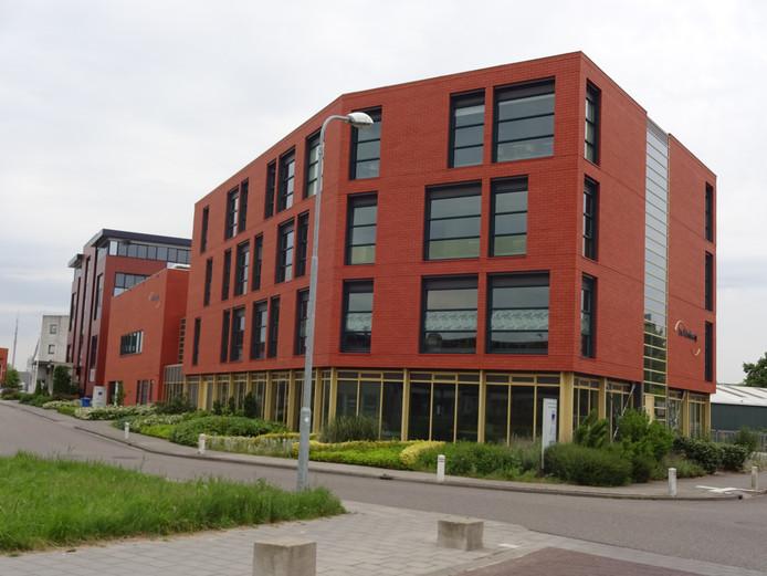 Het nieuwe pand van het Calvijn College aan het Stationspark in Goes.