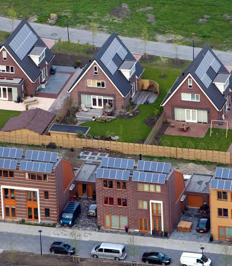 'Bijna 900 km2 aan Nederlandse daken geschikt voor zonnepanelen'