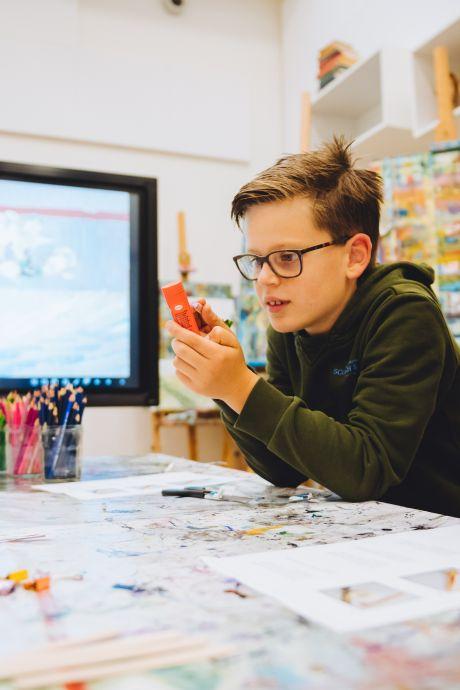 ASML en Van Gogh Museum willen jeugd laten spelen met kleur en licht